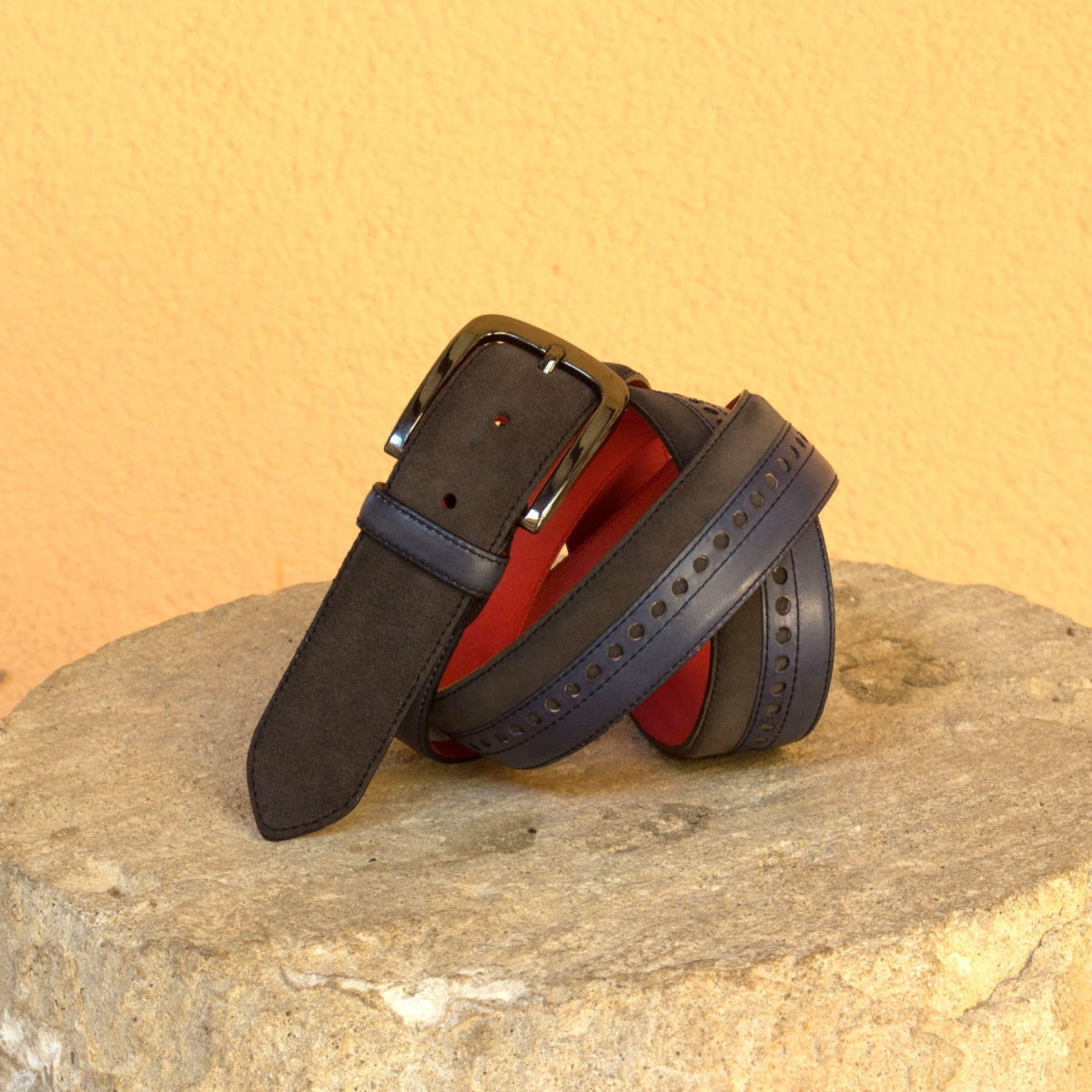 Front view of model La Rosita, navy blue painted calf, grey suede, red nubuck, graphite buckle Golf BespokeShoes